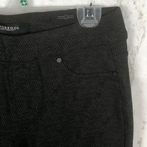 Liverpool Jeans Company Pants - NWT Liverpool Jeans Company Sienna Pull-on Legging